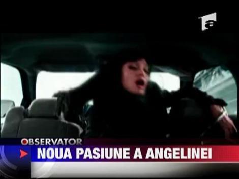 Angelina Jolie invata limba rusa