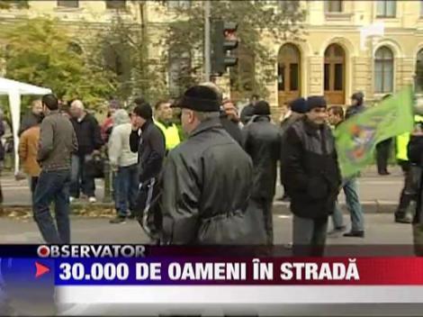 30.000 de oameni in strada