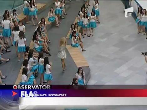 Flashmob in mall cu Andreea Balan