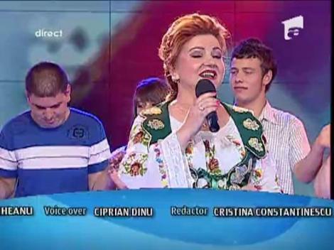 """Maria Carneci canta """"La Multi Ani"""" pentru toti sarbatoritii de Sfintii Petru si Pavel"""
