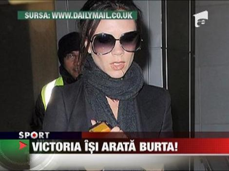 Victoria Beckham isi arata burta