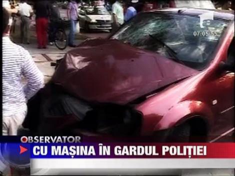 Un sofer a intrat cu masina in gardul Ispectoratului de Politie din Constanta