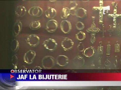 UPDATE / Jaf la magazinul cu bijuterii
