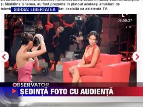 Catrinel Menghia si Madalina Ghenea, sedinta foto cu audienta