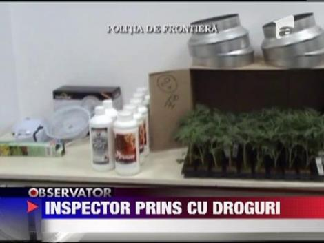 Inspector prins cu droguri