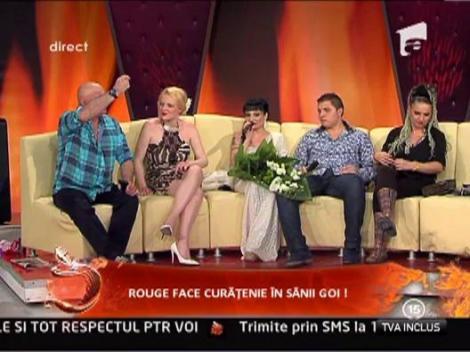 Ioana Popescu are relatii la Facebook