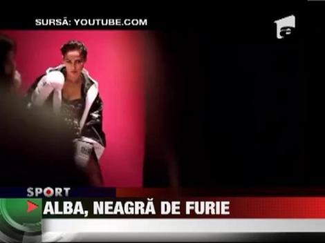 Jessica Alba, in ring cu o matahala de 100 de kilograme!