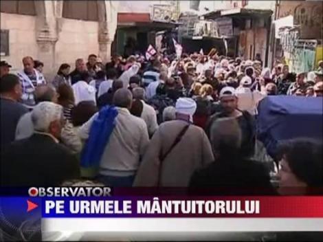 Mii de crestini au participat la procesiunea Drumul Crucii