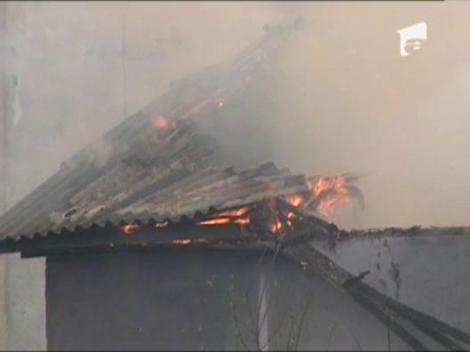 Incendiu la un depozit al unei foste exploatari miniere