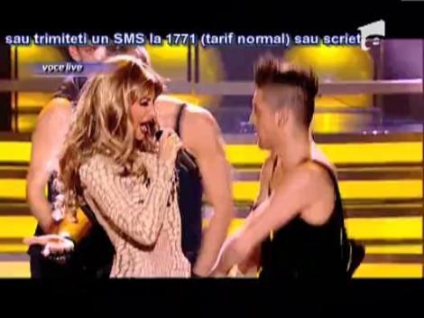 """Julia Jianu, sosia lui Jennifer Lopez - """"On the Floor"""""""