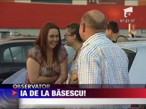 Traian Basescu, la cumparaturi de de ziua barbatului
