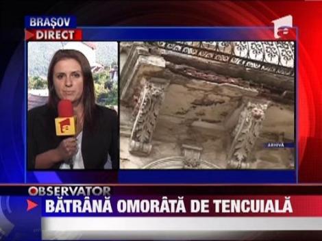 Brasov: O femeie a murit, dupa ce o bucata de tencuiala i-a cazut in cap