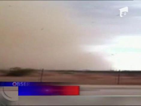 O furtuna de nisip a 'inghitit' orasul american Phoenix