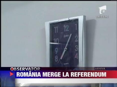 Ion Iliescu si familia lui Adrian Nastase au votat la prima ora