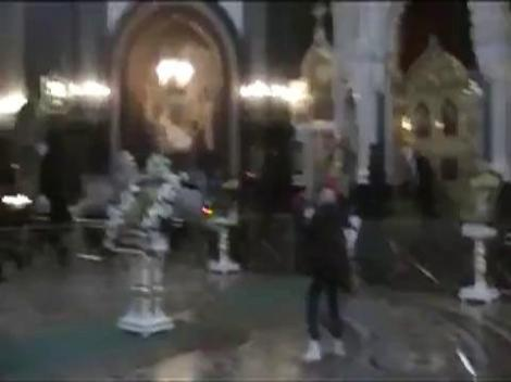 """Membrele trupei rusesti """"Pussy Riot"""", condamnate la 3 ani de inchisoare. Madonna sare in apararea lor!"""