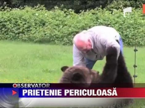 Cel mai bun prieten al omului, un urs grizzly