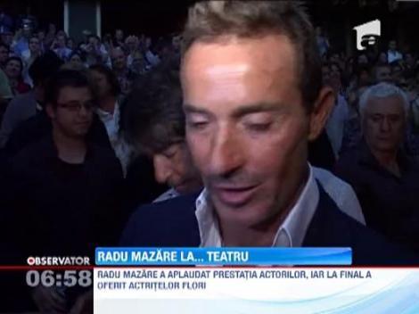 Radu Mazare a lasat pentru o seara petrecerile din club si a mers la teatru