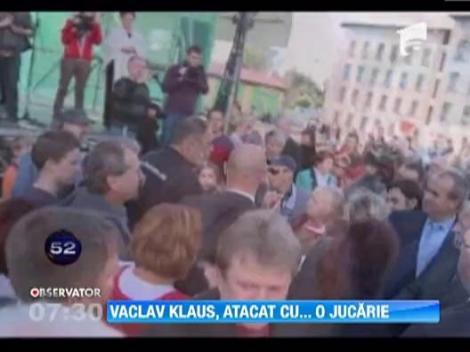 Presedintele Cehiei, impuscat cu un pistol de Airsoft la o manifestare
