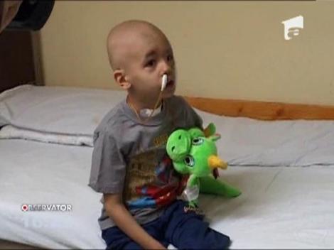 Copilul operat de tumoarea gigant de pe fata a fost externat