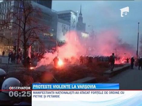 Proteste violente in Polonia: Sute de extremisti s-au luat la bataie cu fortele de ordine