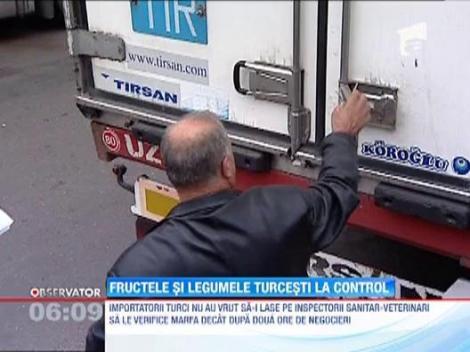 Toate transporturile de fructe din Turcia au fost oprite la vama