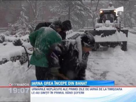Zapada a pus stapanire pe Romania. Mai multe drumuri din tara, blocate din cauza viscolului