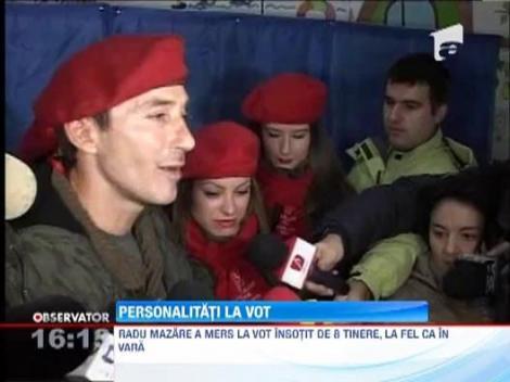 Radu Mazare a votat inconjurat de o armata de fete!