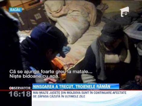 Bilant ingrijorator in Moldova: Sate rupte de lume, drumuri blocate, oameni fara bunuri de stricta necesitate