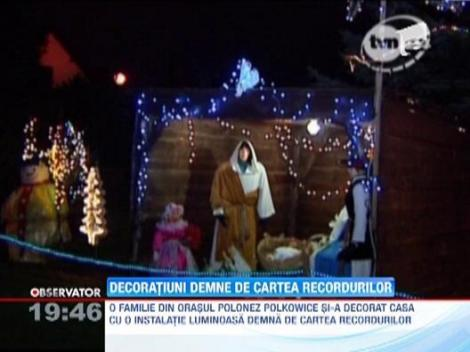 O familie de polonezi si-a decorat casa cu 58.000 de luminite