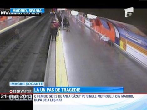 O femeie lesinata peste sine intr-o statie de metrou din Madrid, salvata in ultima clipa