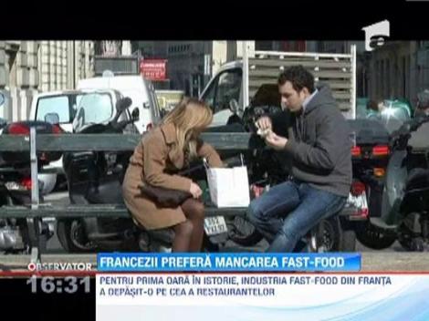 Industria fast-food din Franta a intrecut-o pe cea a restaurantelor, pentru prima oara in istorie