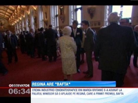 Regina Elisabeta a II-a a primit premiul BAFTA pentru rolul jucat alaturi de James Bond la Olimpiada din 2012