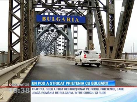 Podul care leaga Romania de Bulgaria s-a gaurit