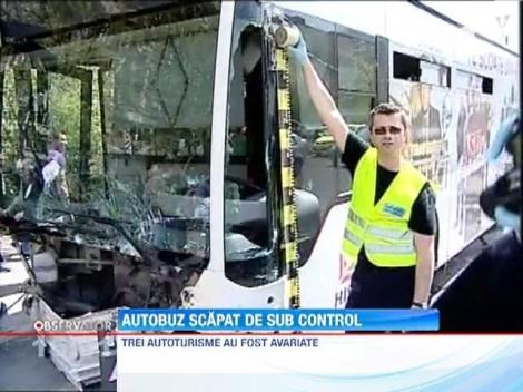 Un autobuz RATB a lovit trei masini si un pieton dupa ce soferului i s-a facut rau la volan