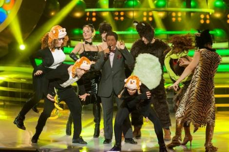 """Rona Hartner se transforma in Louis Armstrong – """"The bare Necessities"""""""