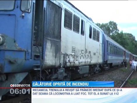 Locomotiva unui tren care circula pe ruta Satu Mare - Bucuresti a luat foc