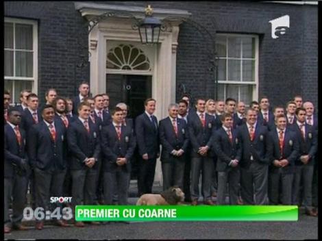 """Un jucator de rugby i-a pus """"coarne"""" intr-o poza lui David Cameron"""