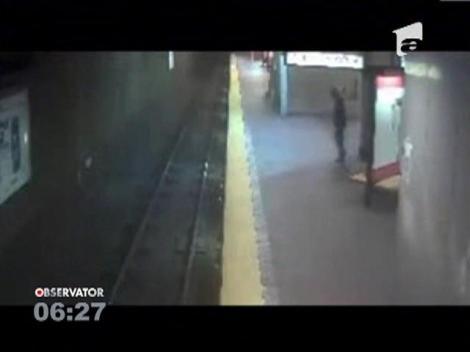 O femeie a cazut pe sine in timp ce mergea in somn, in SUA