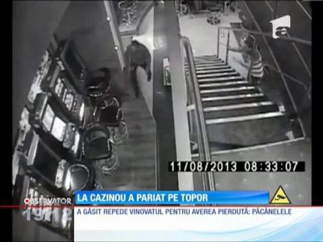 UPDATE / Cazinou distrus cu toporul