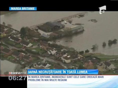 Iarnă necruțatoare, în Europa! 17 victime, în Polonia, iar Marea Britanie e lovită de inundații violente