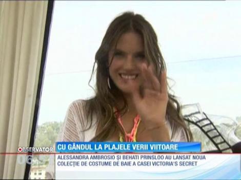 Alessandra Ambrosio şi Behati Prinsloo au defilat în noua colecţie de costume de baie Victoria's Secret