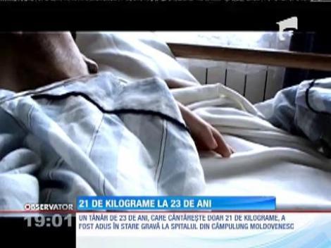 UPDATE / Rămas fără mamă, un tânăr de 23 de ani a ajuns la spital cântărind doar 21 de kilograme!