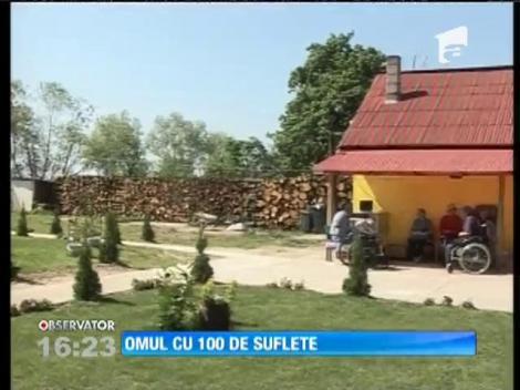 Un bărbat din Dumbrava, judeţul Bihor, şi-a transformat casa în azil