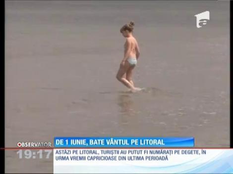 Prima zi de vară, fără turiști pe litoral