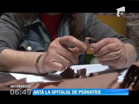 Paznicul spitalului de psihiatrie din Timişoara face opere de artă la locul de muncă