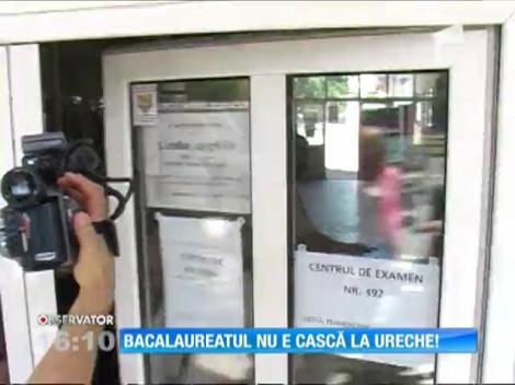 A ajuns la spital, după ce a fost prins cu o cască în ureche în timpul examenului de Bacalaureat