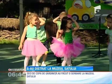 Muzeul Satului şi-a deschis porţile pentru zeci de copii de grădiniţă