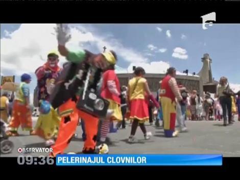 Sute de clovni au mărșăluit pe străzile Mexicului