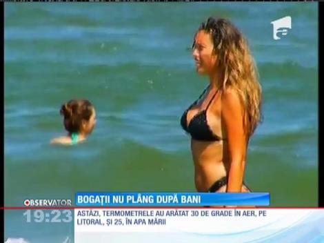 Tinerii cu pretenţii petrec la Mamaia ca în Hawaii