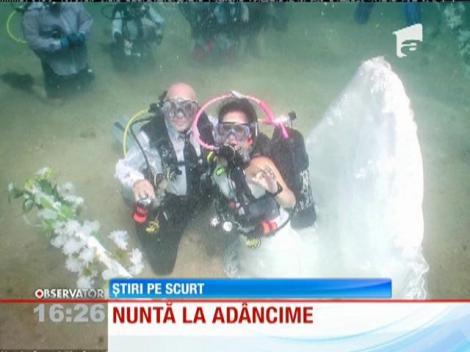 Nuntă sub apă: Doi tineri s-au căsătorit în apele Oceanului Atlantic